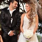 Γάμοι με υπογραφή